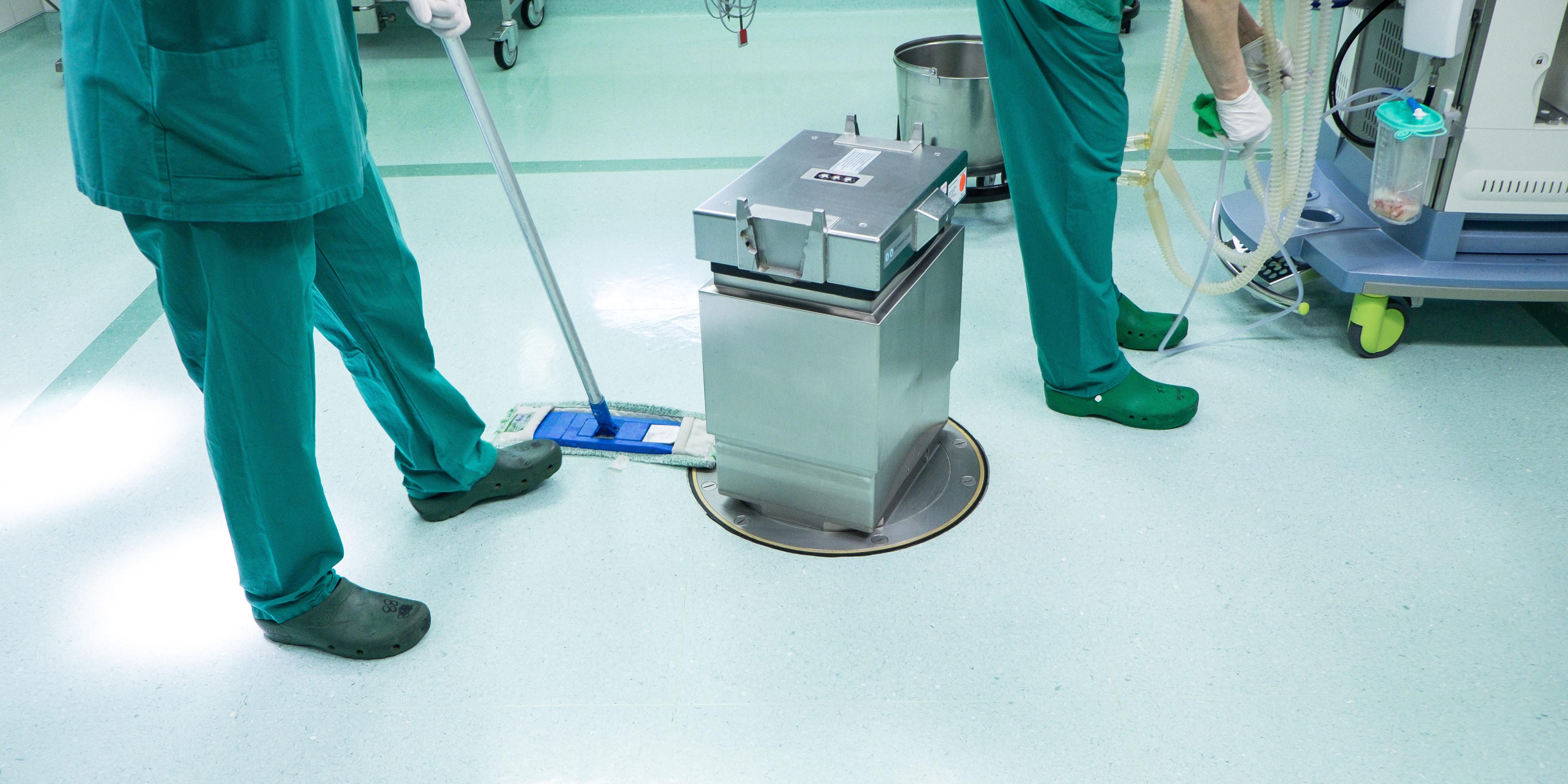 neteja-professional-centres-sanitaris